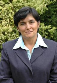 Prof. Mónica Raddatz T., Directora de Finanzas