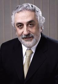 Dr. Néstor Tadich B., Vicerrector Académico.