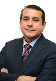 Dr. César Pino, Vicerrector Gestión Económica y Administrativa