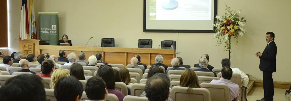 Rector UACh entregó su Cuenta Anual 2016