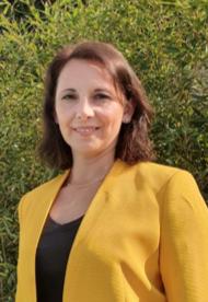 Elizabeth Fuentes M., Secretaria