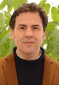 Dr. Gonzalo Saavedra Gallo  Director de Estudios de Postgrado